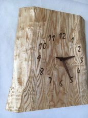 画像2: 壁掛け電波時計 たも杢板 (2)