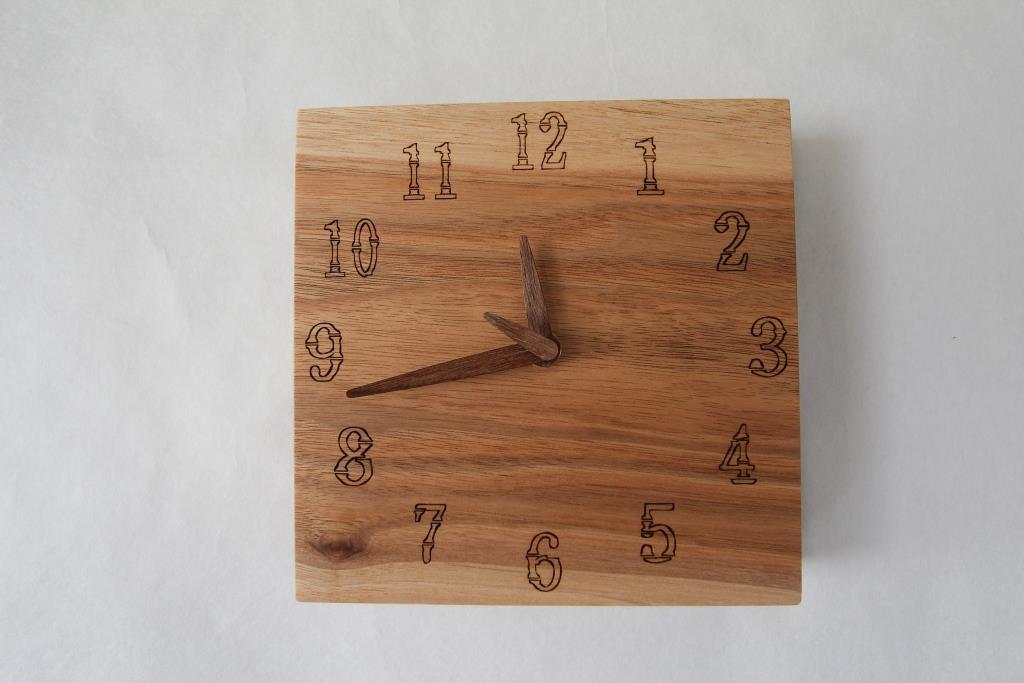 画像1: 壁掛け時計 くるみ (1)